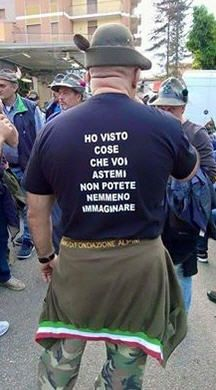 Vignetta ho visto cose Funny Cute, Hilarious, Tired Man, Army Humor, Foto Top, Serious Quotes, Vito, Weird Pictures, Smile Quotes