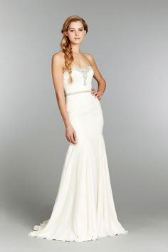 Front view of a strapless Khaleesi, style 6362