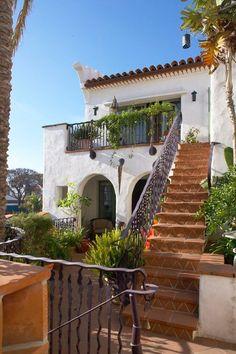 Spanish style homes – Mediterranean Home Decor Mediterranean Style Homes, Spanish Style Homes, Mediterranean Architecture, Mediterranean House Exterior, Spanish House Design, Spanish Architecture, Spanish Revival, Dream Home Design, My Dream Home