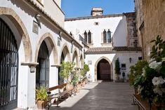 La iglesia de San Juan del Hospital en la calle Trinquete de Caballeros en Valencia, fue la primera iglesia de nueva planta creada en Valencia después de la conquista de esta por el rey de la corona de Aragón Jaime I en 1238.