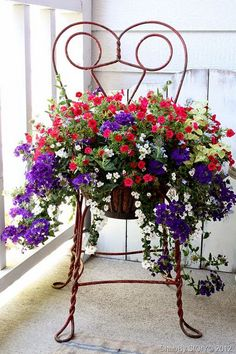 Queridos amigos,   Sempre adorei verbenas, mas confesso que estou cada vez mais fã ! São resistentes, lindas, com florações de todas as cor...