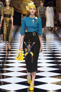dolce and gabbana fashion show: how do you spell gabbana?