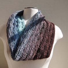 Ravelry: Not too fancy pattern by Susan Ashcroft.  Includes 4 different sizes and 3 different yarn weights.