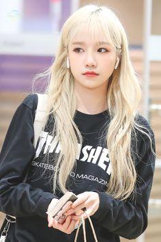 "lazulite on Twitter: ""HQ• 191005   #아이즈원 #IZONE  #조유리 #JOYURI #チョユリ… "" Yuri, Secret Song, Japanese Girl Group, Very Long Hair, 3 In One, The Wiz, Kpop Girls, Korean Girl, Idol"