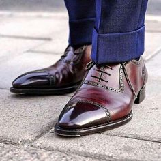 The worlds greatest Adelaide Oxford by Maestro Riccardo Bestetti at (på/i Stockholm, Sweden) Sock Shoes, Men's Shoes, Shoe Boots, Dress Shoes, Preppy Men, Blue Suede Shoes, Mens Fashion Shoes, Men's Fashion, Gentleman Style