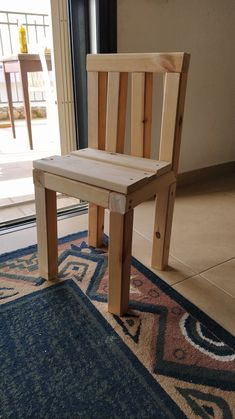 Children's chair made of extra 4*4 and 2*10 pieces of wood (all in cm) Outdoor Chairs, Outdoor Furniture, Outdoor Decor, Dining Bench, Wood, Home Decor, Decoration Home, Table Bench, Woodwind Instrument