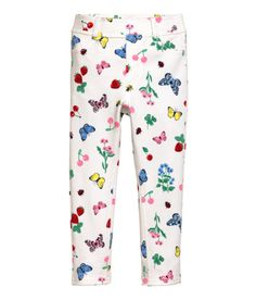 Welcome to H&M, we offer fashion and quality clothing at the best price in a sustainable way. White Strawberry, Treggings, Floral Leggings, Cute Girl Outfits, H&m Online, Baby Prints, Cute Girls, Fashion Online, Kids Fashion