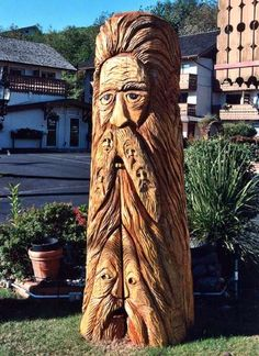 Tree Trunk Carvings-Old Man-British Columbia,Canada Photo credit Mark Comstock Wood Carving Faces, Tree Carving, Wood Carvings, Tree Sculpture, Sculptures, Native American Totem, Branch Art, Totem Poles, Chainsaw Carvings
