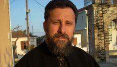 Ο ιερέας από τη Ζάκυνθο που γράφει την ποίηση της πανδημίας Wayfarer, Ray Bans, Mens Sunglasses, Style, Swag, Men's Sunglasses, Outfits