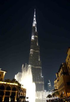 Things to Do in Dubai : The Fountain Show at Burj Khalifa is simply amazing.