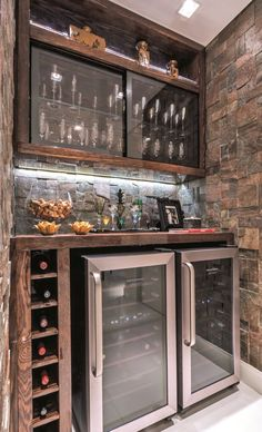 Understanding Mini Bar Design Ideas Some balconies are made to compliment the present home design and decor. When it has to do with designing an outdo. Bar Da Esquina, Corner Bar, Basement Bar Designs, Basement Ideas, Small Basement Bars, Basement Renovations, Man Cave Home Bar, Bar Home, Mini Bar At Home