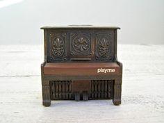 Doll house piano