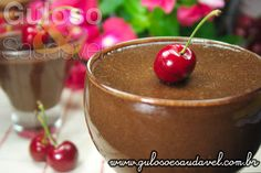 Dê um up no sábado com uma deliciosa Mousse de Chocolate com Creme de Alfarroba? Além de ter um visual deslumbrante o sabor enche a boca...   #Receita aqui: http://www.gulosoesaudavel.com.br/2012/12/21/mousse-chocolate-creme-alfarroba/