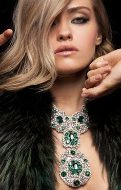 Gorgeous emerald and diamond necklace!! -Wealth and Luxury