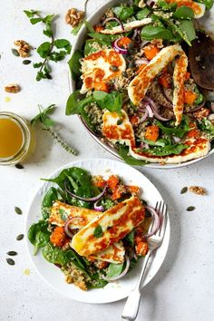 Halloumi salad with lightly spiced, roasted butternut squash & quinoa. Served with a lemon and honey dressing, this is a lovely satisfying lunch. Veggie Recipes, Salad Recipes, Vegetarian Recipes, Dinner Recipes, Cooking Recipes, Healthy Recipes, Healthy Salads, Healthy Eating, Halloumi Salad
