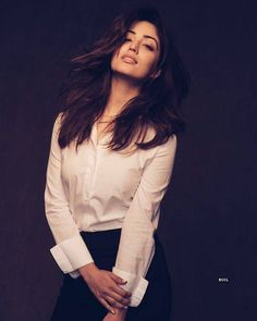 One of the most beautiful and hottest face in Bollywood movie Yami Gautam is and talented actress. Bollywood Photos, Indian Bollywood Actress, Bollywood Girls, Beautiful Bollywood Actress, Indian Film Actress, Most Beautiful Indian Actress, Indian Actresses, Bollywood Oops, Bollywood Style
