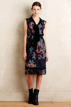 This is the perfect outfit to ease into Fall... Bretin Dress - anthropologie.com
