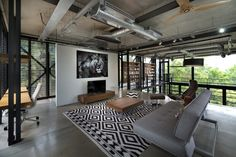 Gallery of Cantilever House / Design Unit Sdn Bhd - 28