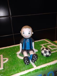 Inter supporter Cake Topper : detail - made with sugar fondant