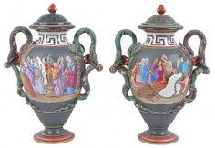 Par de vasos de porcelana francesa Vieux Paris do séc. XIX, decorado em policromia com cena com figuras de mulheres romanas. Alças representadas por serpentes. Alt. 48 cm. (Ver ilustração a cores no catálogo).