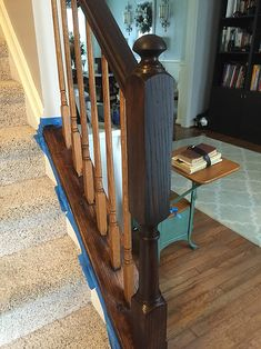 Timeless and Treasured - My Three Girls: DIY - How To Stain and Paint Oak Stair Banisters Redo Stairs, Oak Stairs, Narrow Staircase, Stair Banister, Banisters, Banister Ideas, Banister Remodel, Staircase Makeover, Decorative Bird Houses