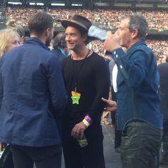 いいね!502件、コメント4件 ― Anthonyさん(@jamiedornanonline)のInstagramアカウント: 「New picture of Jamie at U2 concert with Jude Law and Ben Mendelsohn. #jamiedornan #JudeLaw…」