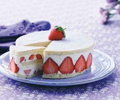 Jordbærlagkage med jordbærcreme