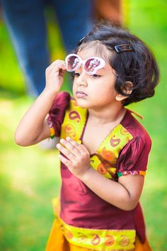 The little star! She is so cute. The Best wedding Moments. Best Locations WeddingNet #weddingnet #indianwedding #lovestory #photoshoot #inspiration #couple #love #destination #location #lovely #places #kid #child #cute #mimi
