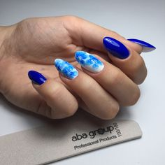 Blue floral blur nails nailart desing Blur, Nailart, Floral, Beauty, Florals, Beauty Illustration, Flower, Flowers