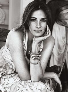 CINEMA ACTRESS JULIL ROBERS. Diskussion om LiveInternet - Russisk online dagbogstjeneste Face Off, Julia Roberts Quotes, Ex Machina, Actrices Hollywood, Elle Magazine, Quotes About Moving On, Famous Faces, Meaningful Quotes, Movie Stars