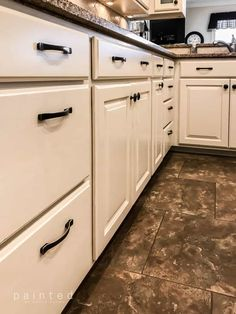 changing knobs on kitchen drawers to Oil rubbed bronze hardware on cream painted… – Painted Colorful Kitchen Cabinets Kitchen Cabinet Drawers, Refacing Kitchen Cabinets, Wood Cabinets, Kitchen Cabinetry, Refinish Cabinets, Cream Cabinets, Bathroom Cabinets, Cabinet Knobs, Cabinet Hardware