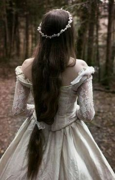 #wattpad #fantasy My name is Leslie Marie Eregrande Fetcher . I am Princess of the kingdom of Naratia. I have a twin sister by the name of   Leona  Millike Eregrande Fetcher. We live in a nice castle in a pretty village. But, this isn't the story about prince finding and love. This is the story about how my sister b...