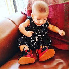Jacks is mesmerised with his new shoes 😄😄 🌵Featuring our Buffalo Plaid Hightops🌵 ➖➖➖➖➖➖➖➖➖➖➖➖ ✖️ Gorgeous photo by @francesvmartin ➖➖➖➖➖➖➖➖➖➖➖➖ #finnbearnz #coolbub #babykicks #instakid #nzhandmade #softsoleshoes #toddlershoes #tinylittleshoes #madebyhand #softsoledshoes #softsolekidsshoes #handsandhustle #kidswear #babyhightops #babyfashion #babystyle #etsynz #fashionkid #streetstyle #kidsootd
