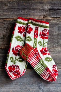 Wool socks knitted in Finland. Why am I so fascinated with color work? Wool socks knitted in Finland. Why am I so fascinated with color work? Crochet Socks, Knitting Socks, Hand Knitting, Knitting Patterns, Knit Crochet, Crochet Patterns, Patterned Socks, Wool Socks, Fair Isle Knitting