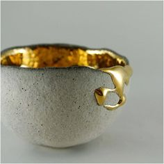 Most up-to-date No Cost japanese Ceramics kintsugi Tips Latest Pictures japanese Ceramics kintsugi Ideas click the image or link for mor Kintsugi, Ceramic Cups, Ceramic Pottery, Ceramic Art, Glazed Ceramic, Earthenware, Stoneware, Keramik Design, Deco Originale