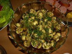 Deze SUPERlekkere champignons maakte ik voor een Tapasbuffet ter gelegenheid van een feestje van een vriend. Heel erg lekker! De hoeveelheid is voor 35-40...
