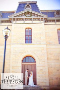 Historic Blanco County Court house wedding.... where i want to get married!