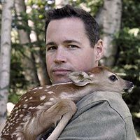Jeff Corwin....what a handsome man, great sense of humor, and loves animals! Can they clone him?