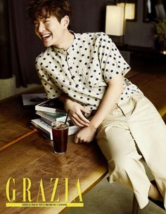 SHINee's Onewmodeled anatural, boy-next-door look for 'Grazia' magazine.In the pho…