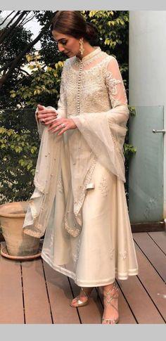Party Dress Indian India New Ideas Pakistani Dresses Casual, Pakistani Bridal Wear, Pakistani Dress Design, Casual Dresses, Dress Indian Style, Indian Dresses, Indian Outfits, Indian Attire, Indian Ethnic Wear