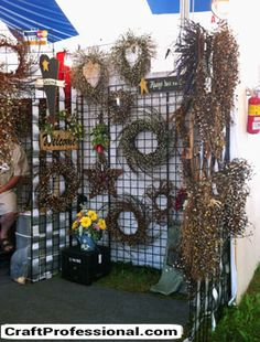 Wreaths on gridwalls