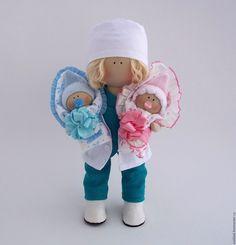 Купить или заказать Кукла врач в интернет магазине на Ярмарке Мастеров. С доставкой по России и СНГ. Срок изготовления: 5-7 дней. Материалы: трикотаж, хлопок, лён, трессы,…. Размер: 30см