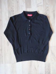 Sweater negro, mangas 3/4, con cuello y botones #GracielaNaum #ComoNuevo #ModaSustentable. Compra esta prenda en www.saveweb.com.ar!