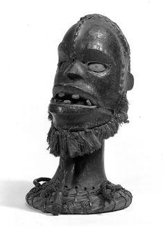 Brooklyn Museum 74.66.2 Skin-covered Headdress with Raffia Beard.jpg