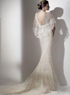 Fish tail Wedding dress (Back). Near perfect cut