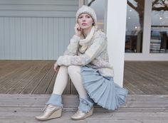 Tartan Spirit Luxury Harris Tweed kilt in 'Skye' Frock Fashion, Cozy Fashion, Autumn Fashion, Fashion Outfits, Geek Chic Outfits, Thigh High Leggings, Wool Tights, Scottish Fashion, White Tights