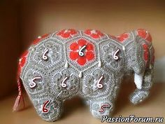 MATIN LUMINEUX: Eléphantes Indiennes au crochet Crochet Ball, Crochet Baby Toys, African Flower Crochet Animals, Crochet Flowers, Crochet Motifs, Crochet Patterns Amigurumi, Crochet Elephant Pattern, Toy Craft, Graphic 45
