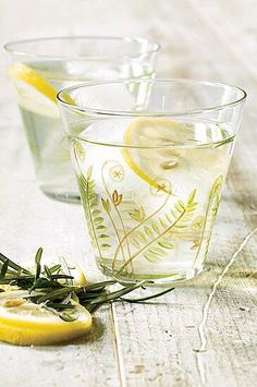 """Willi Galloway steeps lemon and rosemary for this tea. """"Herbs are great for balcony gardens,"""" she says.#drinks Sun Tea Recipes, Wine Recipes, Ice Lemon Tea, Pitcher Drinks, High Tea Food, Blood Orange Margarita, Tea And Crumpets, Yummy Drinks, Refreshing Drinks"""