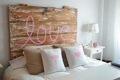 La chica de la casa de caramelo: Despidiendo 2012 Cool Girl Bedrooms, Girls Bedroom, Pretty Bedroom, Dream Bedroom, Bed In Closet, New Room, Decoration, Room Inspiration, Bed Pillows