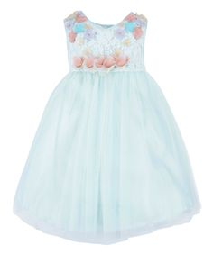 Hand-embellished using traditional artisanal techniques, our Nymph party dress for baby girls is adorned with a lace bodice with 3D flower appliqués, and a glittery tulle skirt. Fully-lined for comfort, this precious piece is finished with a tie-up bow on the back.